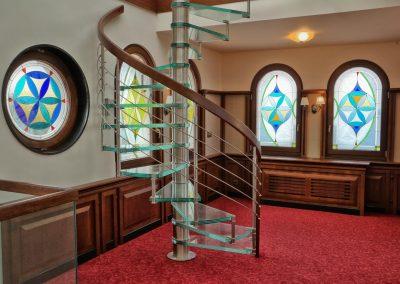 стъклена-стълба-вита